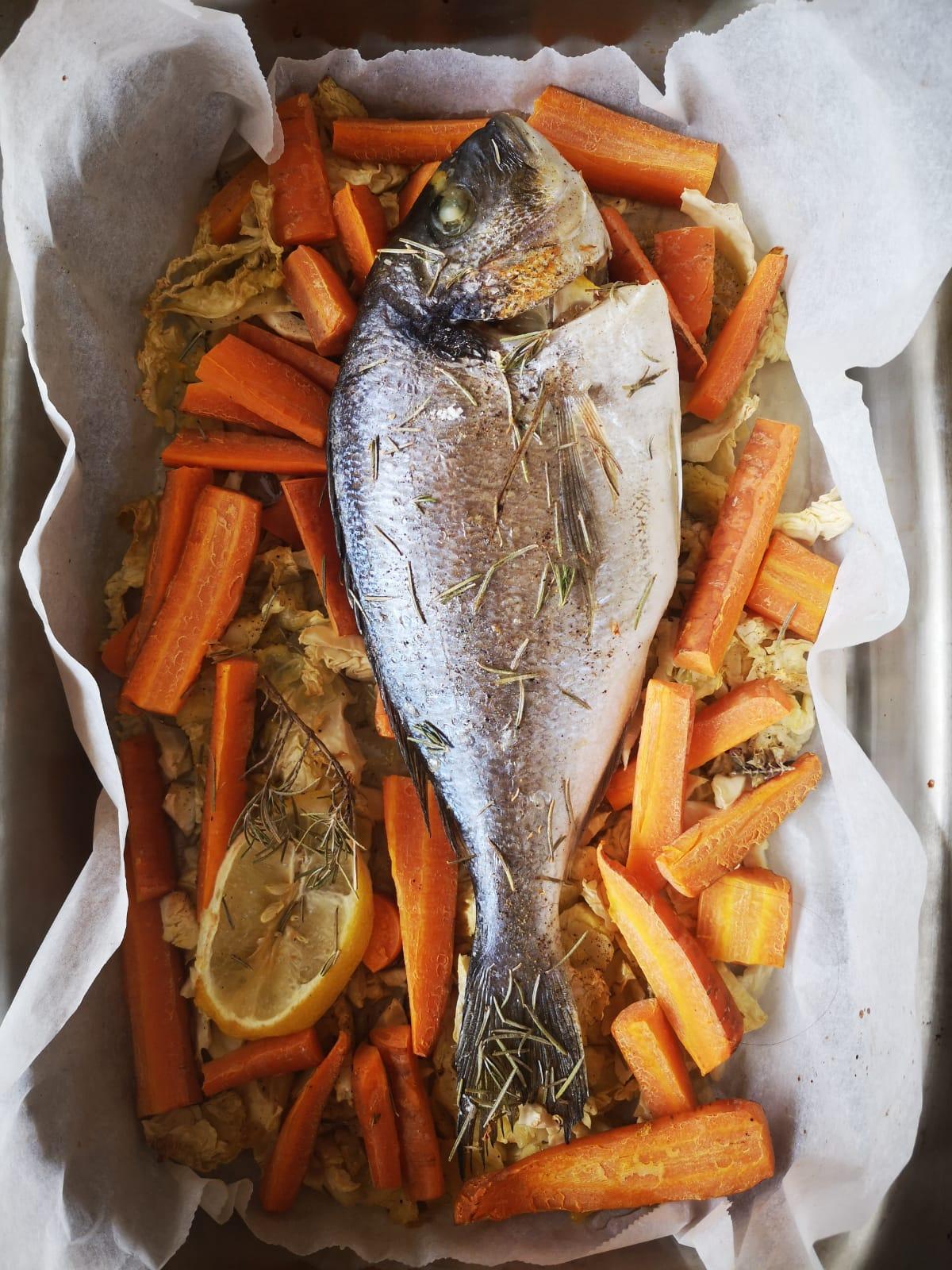 Pescado con verduras.